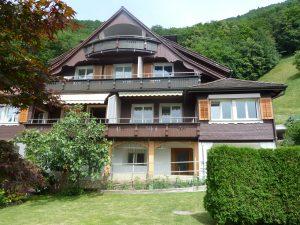 3.5 Zimmer-Maisonettewohnung direkt am See mit Badeplatz